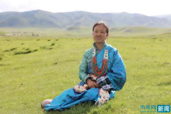 藏族女孩曾为照顾母亲放弃学业