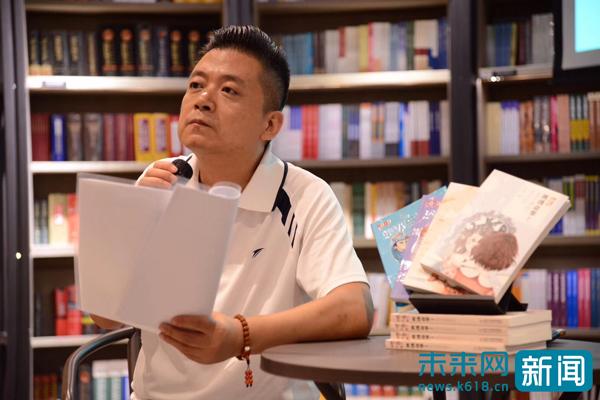 """儿童文学作家王晓一:""""精彩""""童年需要给孩子"""