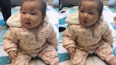 萌娃第一次吃榴莲 细细品味后干呕出表情包 一旁奶奶笑出鸭子叫_副本.jpg